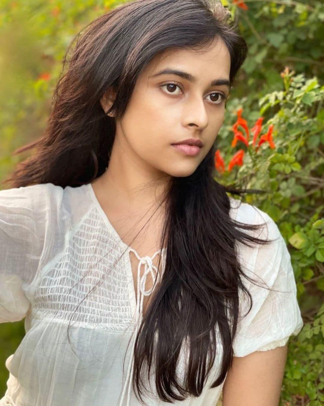 <br />நடிகை ஸ்ரீ திவ்யா ( Image :Instagram @sd_sridivya)