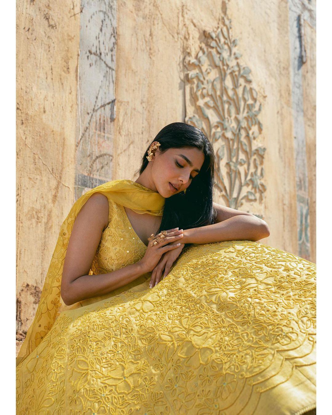 தனுஷ் நடித்திருக்கும் 'ஜகமே தந்திரம்' படத்தில் ஹீரோயினாக நடித்திருப்பவர் நடிகை ஐஸ்வர்யா லெக்ஷ்மி.