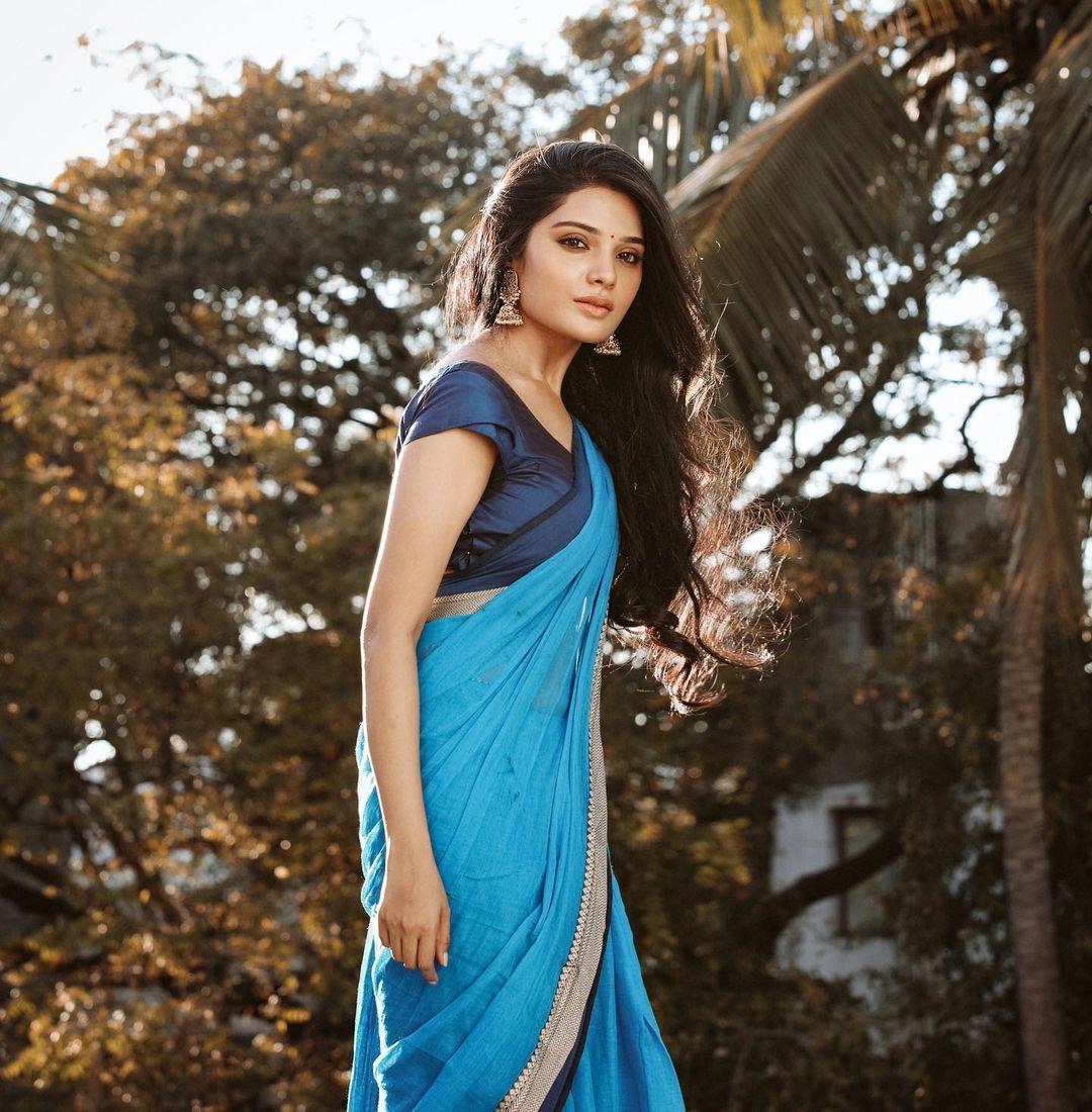 நடிகை ஆத்மிகா ( Image : Instagram @iamaathmika)