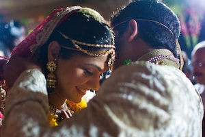 10-ம் ஆண்டு திருமண நாளை தாஜ்மஹாலில் கொண்டாடிய முன்னணி நடிகர்