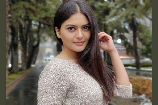 நடிகை வைபவி ஷாண்டில்யா