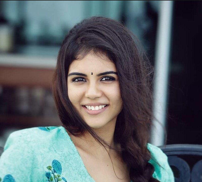 கல்யாணி தனது திரைப்பட வாழ்க்கையை 2013 ஆம் ஆண்டில் கலை இயக்குநர் சாபு சிரிலின் கீழ், உதவி தயாரிப்பு வடிவமைப்பாளராக கிரிஷ் 3 திரைப்படத்தில் தொடங்கினார்