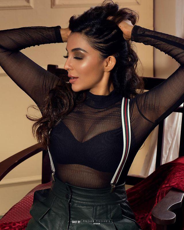 நடிகை பார்வதி நாயர் ( Image :Instagram @paro_nair)