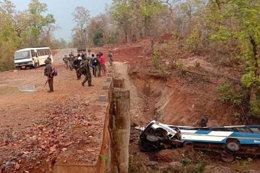 சத்தீஸ்கரில் நக்சல் தாக்குதலில் பாதுகாப்புப் படையினர் 5 பேர் உயிரிழப்பு
