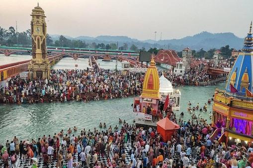 30 சாதுக்களுக்கு கொரோனா - கும்பமேளா முன்கூட்டியே முடிவதாக நிரஞ்சனி அகாதா அறிவிப்பு!