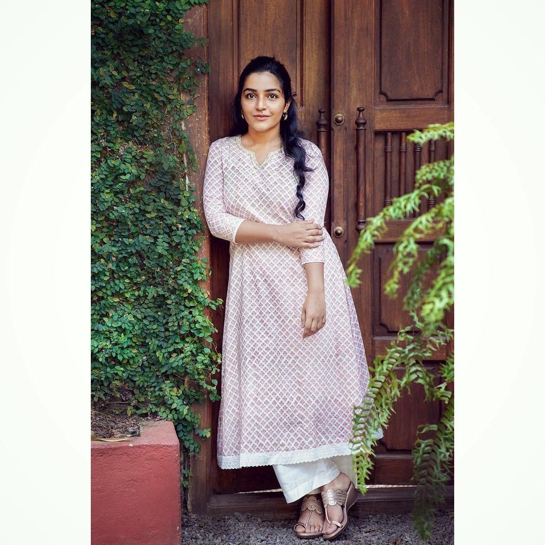 நடிகை ராஜிஷா விஜயன் ( Image :Instagram @rajishavijayan )