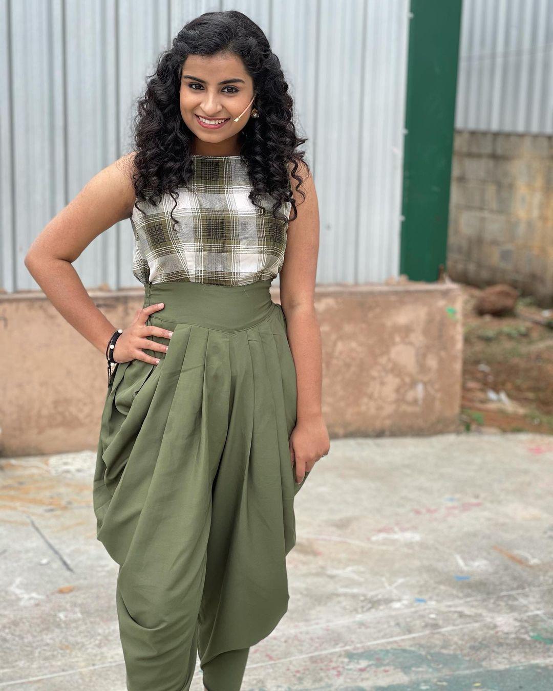 சிவாங்கி (Image : Instagram @sivaangi.krish)