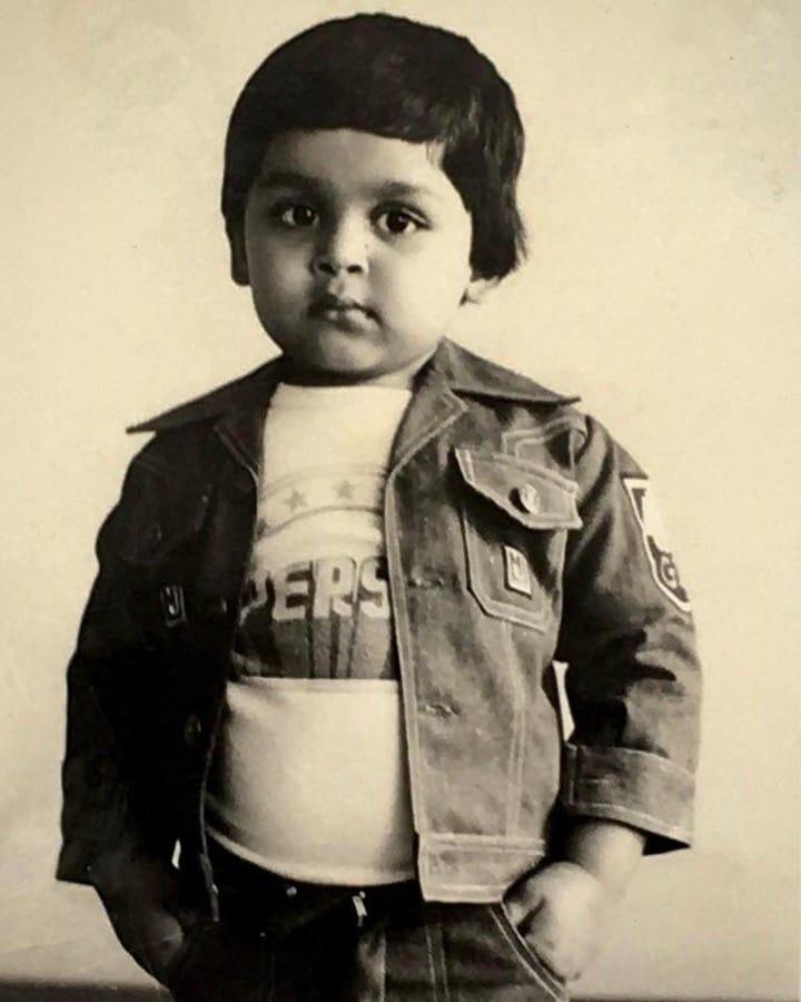 நடிகர் கார்த்தி பருத்திவீரன்'திரைப்படத்தின் மூலம் தமிழ் சினிமாவில் கதாநாயகனாக அறிமுகமானார். முதல் படத்திலேயே தனது நடிப்பிற்கான பாராட்டுக்களை பெற்றார்.