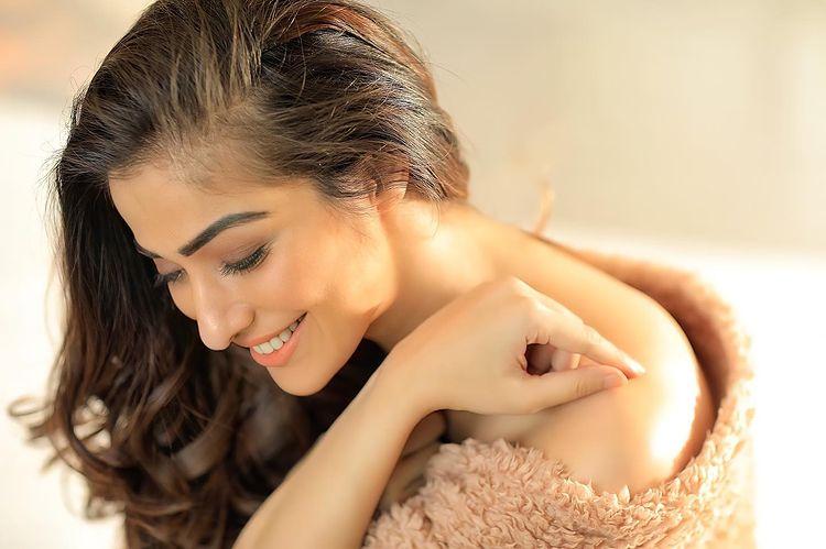 நடிகை ராய் லட்சுமி ( Image : Instagram @iamraailaxmi)