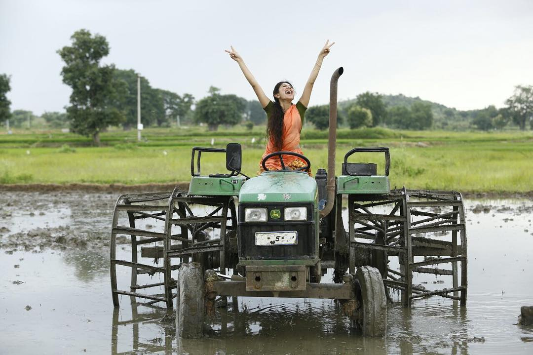 நடிகை சாய் பல்லவி ( Photo: Instagram.com/ saipallavi.senthamarai)