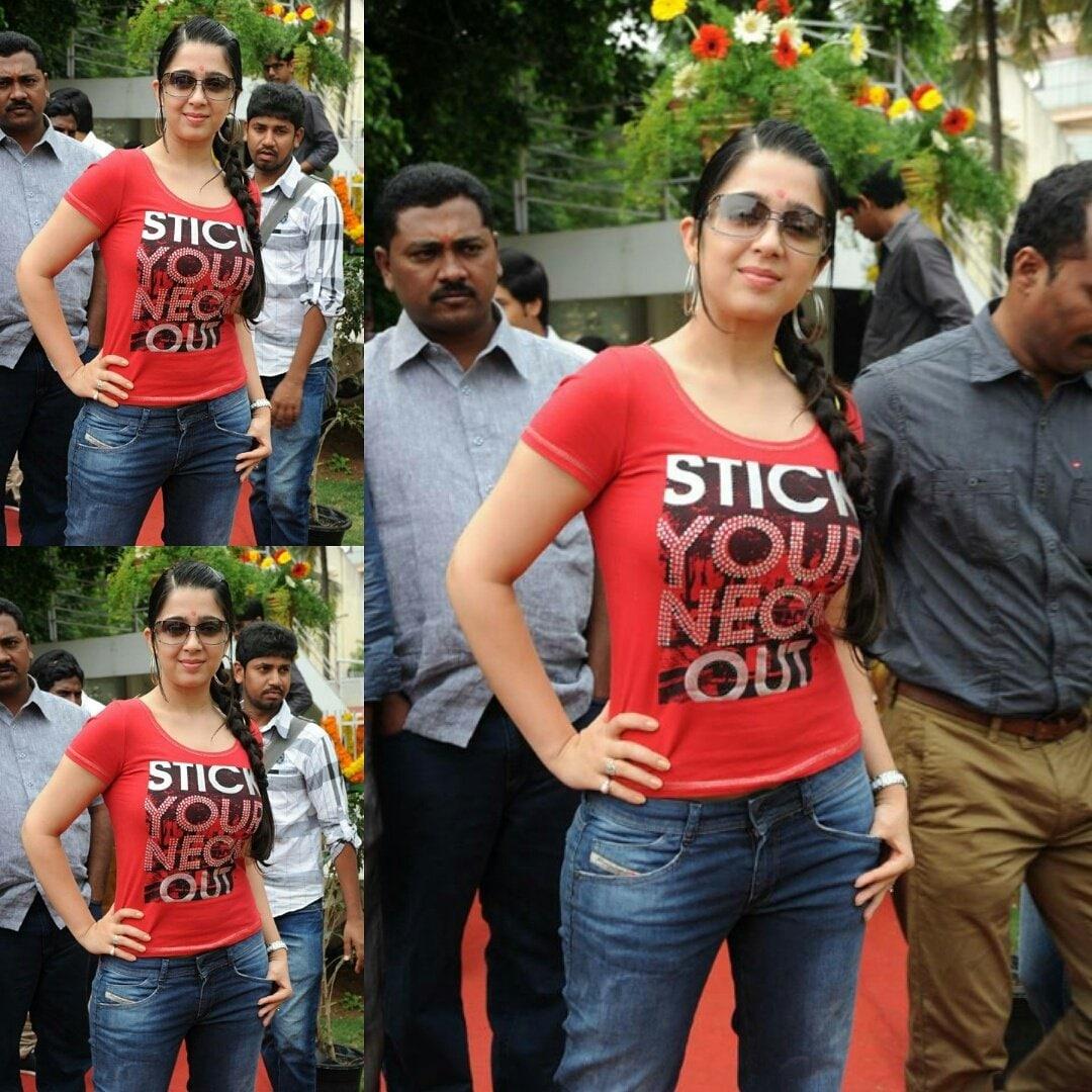 நடிகை சார்மி கவுர் (Image : Twitter)