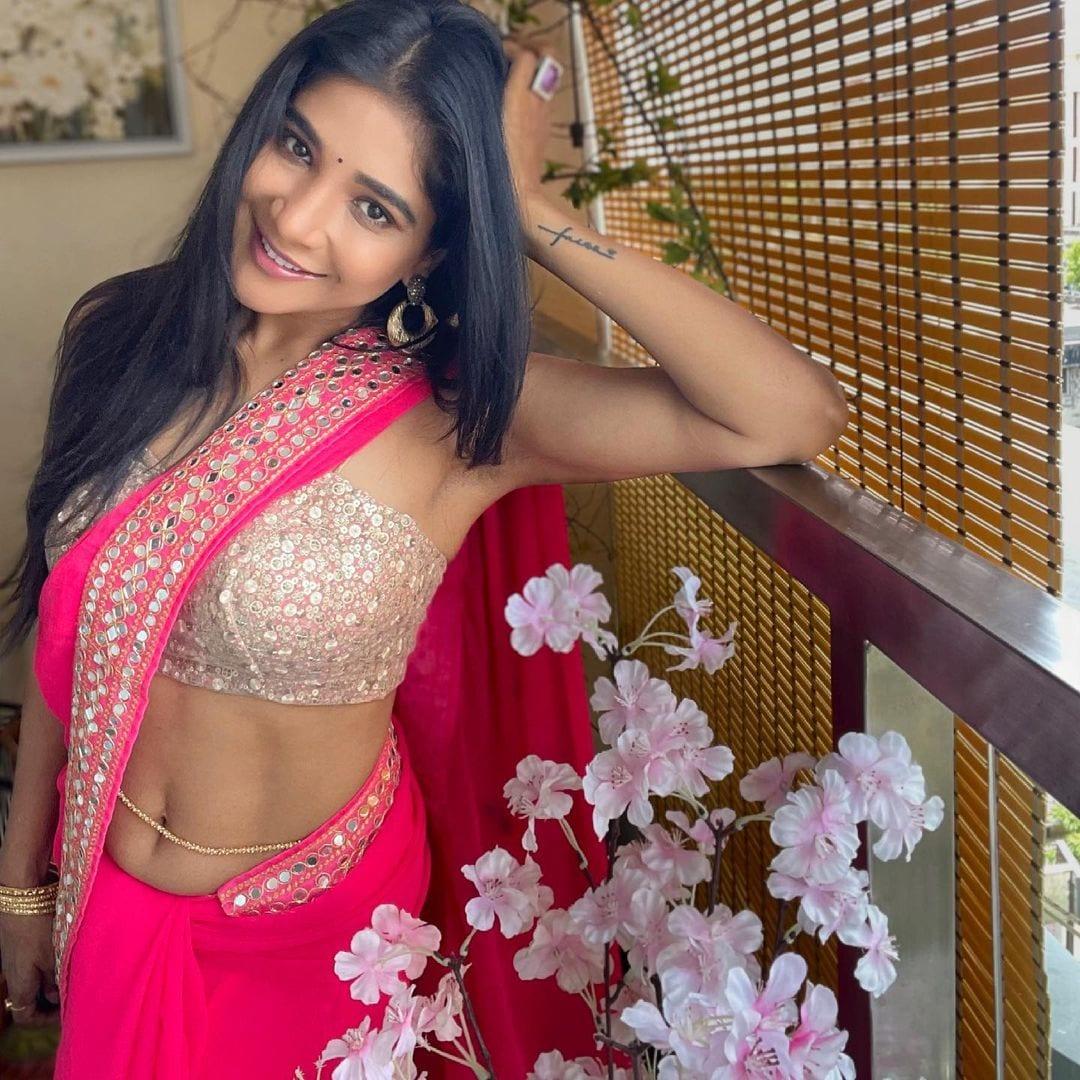 நடிகை சாக்ஷி அகர்வால் ( Image :Instagram @iamsakshiagarwal)
