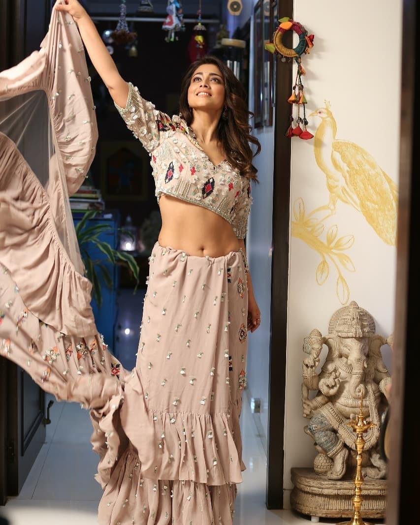 நடிகை ஸ்ரேயா ( Image :Instagram @shriya_saran1109)