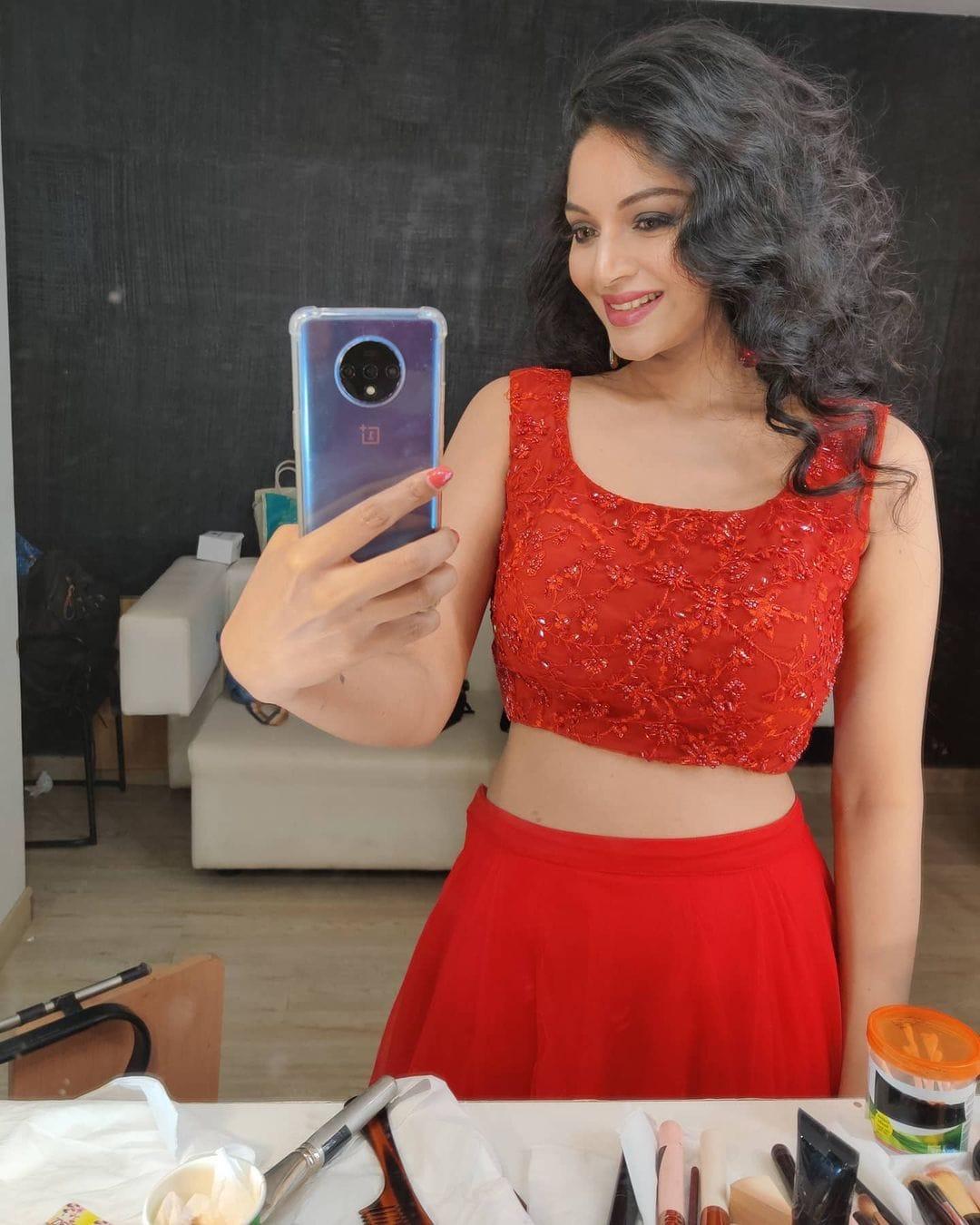நடிகை சனம் ஷெட்டி (Image: Instagram @sam.sanam.shetty )