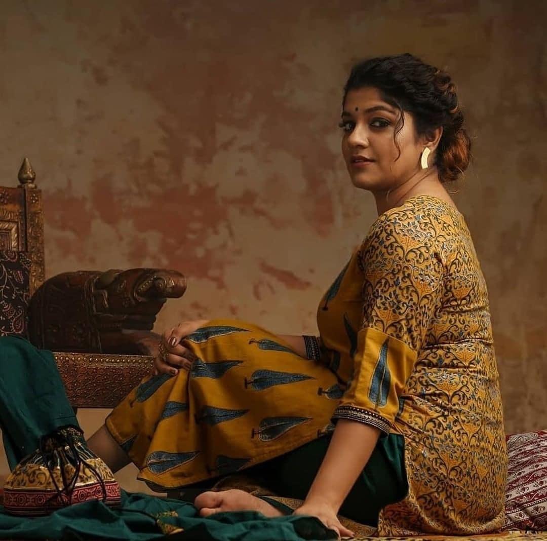 நடிகை அபர்ணா பாலமுரளி ( Image : Instagram @aparna.balamurali )