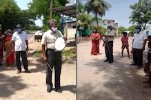 மாணவர்களுக்காக வீதியில் இறங்கி தண்டோரோ போடும் தலைமை ஆசிரியர்