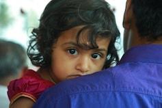 குமாரபாளையம் சிறுமிக்கு அரிய நோய்: நிதி திரட்டும் தந்தை!