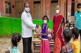 விழுப்புரம்:மாணவர்களுக்கு மளிகைப்பொருட்கள் வழங்கிய நுகர்வோர் அமைப்பு