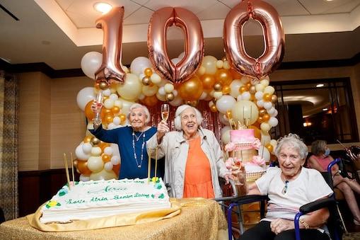 தோழிகளின் 100வது பிறந்தநாள் கொண்டாட்டம்
