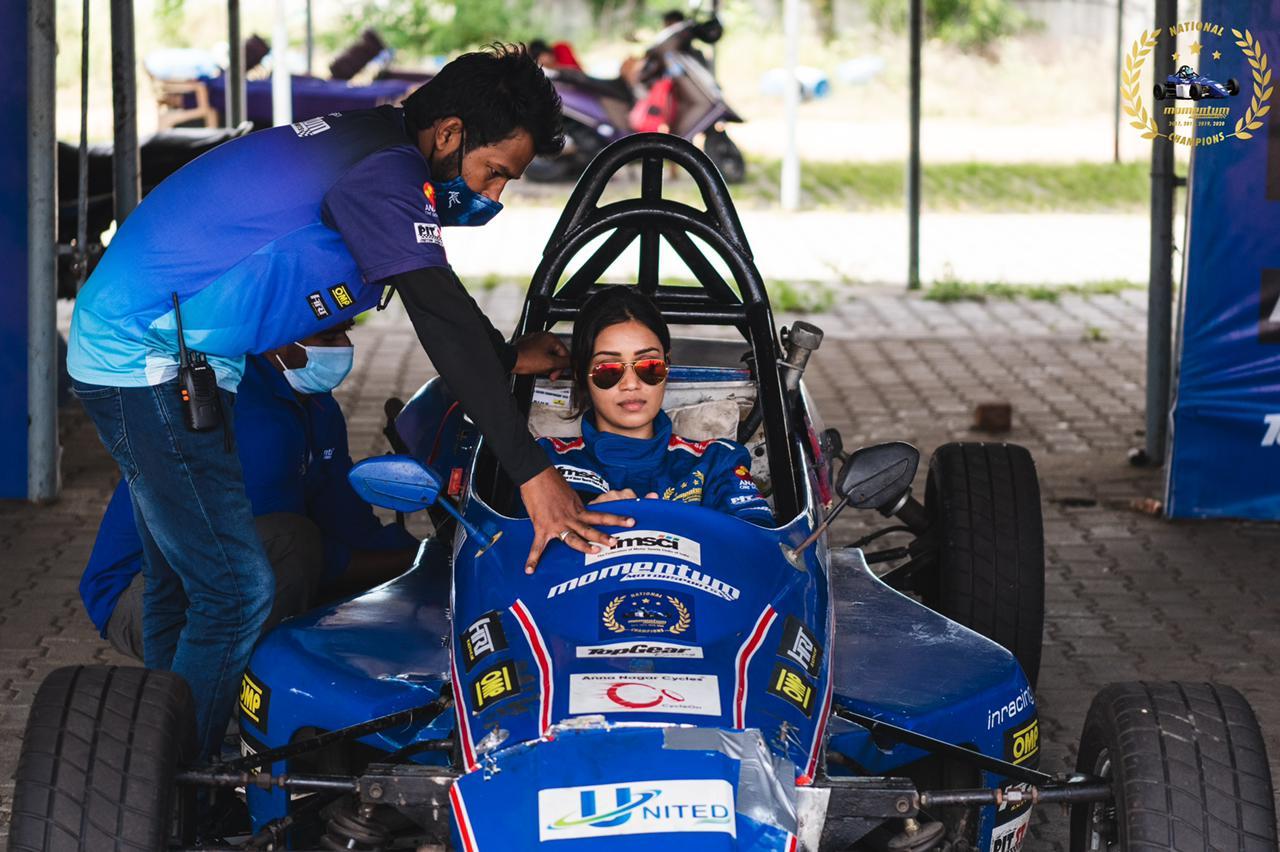 Actress Nivetha Pethuraj, nivetha pethuraj completes Formula Race Car Level 1, nivetha pethuraj car race, nivetha pethuraj race car, nivetha pethuraj car race training, நிவேதா பெத்துராஜ், நிவேதா பெத்துராஜ் கார் ரேஸ், நிவேதா பெத்துராஜ் ரேஸ் கார், நிவேதா பெத்துராஜ் ரேஸ் கார் பயிற்சி, நிவேதா பெத்துராஜ் ரேஸ் கார் பயிற்சி