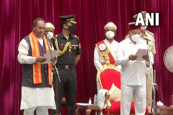 கர்நாடகாவில் 29 பேர் அமைச்சர்களாக பதவியேற்பு