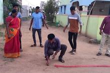 பாராலிம்பிக்கில் பதக்கம்: மாரியப்பனின் உறவினர்கள், நண்பர்கள் பட்டாசு வெடித்து கொண்டாட்டம்