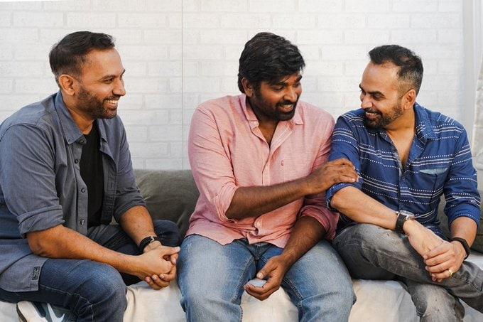naam tamilar katchi Idumbavanam Karthik once again fuss Vijay Sethupathi, vijay sethupathi, sethupathi movies, vijay sethupathi best performance, vijay sethupathi family man, விஜய் சேதுபதி, விஜய் சேதுபதி படங்கள், Vijay Sethupathi in the new web series of The Family Man Directors, The Family Man 2 Web Series, the family man 2, த ஃபேமிலி மேன், அமேசான் ப்ரைம், the family man 2 controversy, the family man 2 amazon prime, த ஃபேமிலி மேன் சர்ச்சை, the family man raj & dk, vijay sethupathi in Raj & DK web series, vijay sethupathi web series, விஜய் சேதுபதி, விஜய் சேதுபதி வெப் சிரீஸ், விஜய் சேதுபதி வலைத்தொடர், naam tamilar katchi, naam tamilar katchi idumbavanam karthik, idumbavanam karthik vijay sethupathi, இடும்பாவனம் கார்த்திக் விஜய் சேதுபதி, நாம் தமிழர் கட்சி