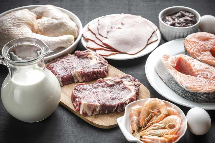 Meat: మాంసం కూడా కళ్ల రంగును మార్చగలదు. మాంసంలో మెగ్నీషియం, జింక్ ఉంటాయి. ఇవి కనుగుడ్ల రంగును మార్చగలవు.