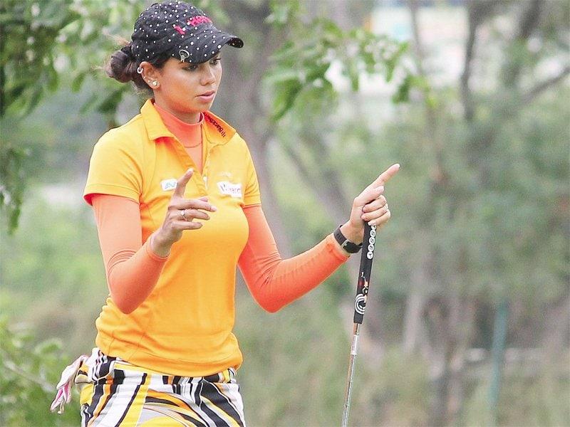 భారత గోల్ఫ్ క్వీన్ షర్మిలా నికోలెట్ ( Sharmila Nicolet / twitter )