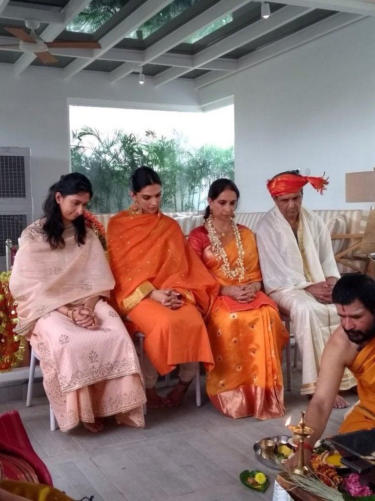 రణ్ వీర్ సింగ్, దీపికా పదుకొనే పెళ్లి వేడుకకు ముందు నందిపూజ