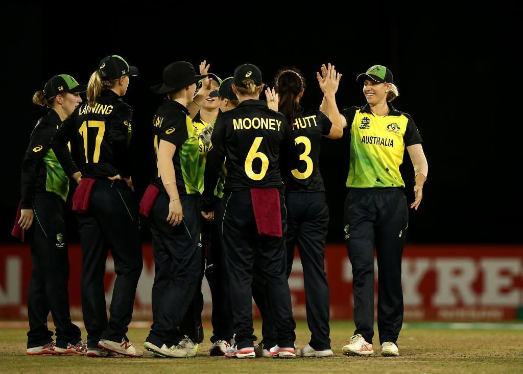 ఆసీస్ క్రికెటర్ల సంబరాలు ( ICC / Cricket Australia / twitter )
