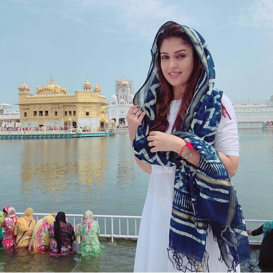 2005లో 'అయ్యా' చిత్రంలో శరద్ కుమార్ సరసన నటించిన నయనతార, ఆ చిత్రంతో తమిళ ప్రేక్షకులకు పరిచయమయ్యింది.