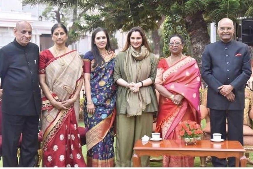 రాష్ట్రపతి రామ్నాథ్ కోవింద్, గవర్నర్ నరసింహాన్లతో సానియా మీర్జా (photo: instagram/mirzasaniar)