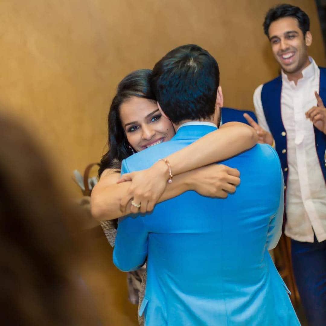 వెడ్డింగ్ రిసెప్షన్  పార్టీలో సైనా నెహ్వాల్- పారుపల్లి కశ్యప్ దంపతులు ( Saina Nehwal / twitter )