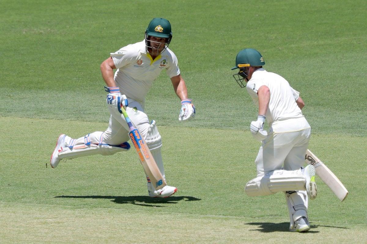 తొలి వికెట్కు 112 పరుగుల భాగస్వామ్యాన్ని జోడించి ఆస్ట్రేలియా ఓపెనర్లు ఆరోన్ ఫించ్, మార్కస్ హారిస్ కంగారూ టీమ్ భారీ స్కోర్కు పునాది వేశారు.( Cricket Australia / twitter )