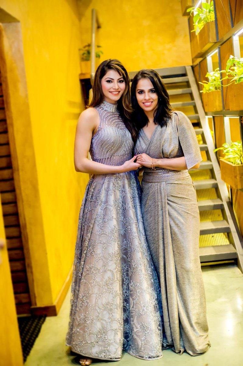 బాలీవుడ్ బ్యూటీ ఊర్వశీ రౌతేలాతో సైనా నెహ్వాల్ ( Saina Nehwal / Twitter )