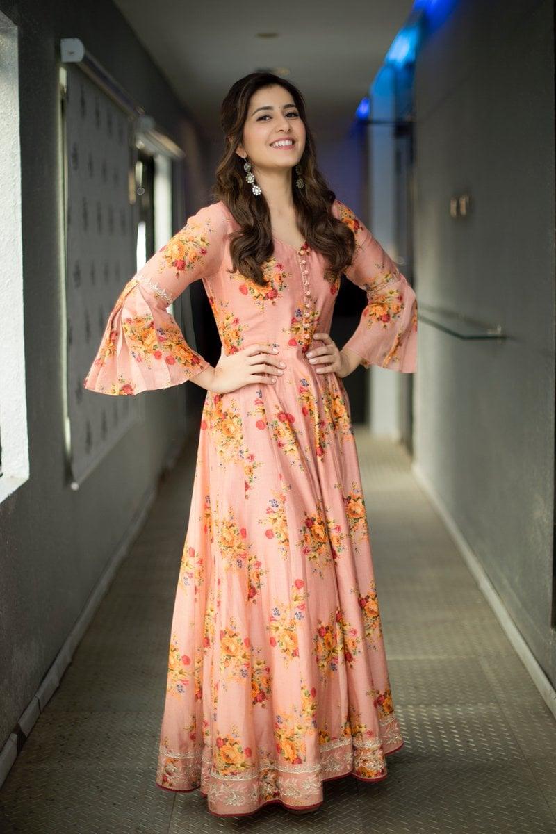 రాశిఖన్నా లేటెస్ట్ ఫోటో గ్యాలరీ Photo: RaashiKhanna/ Twitter