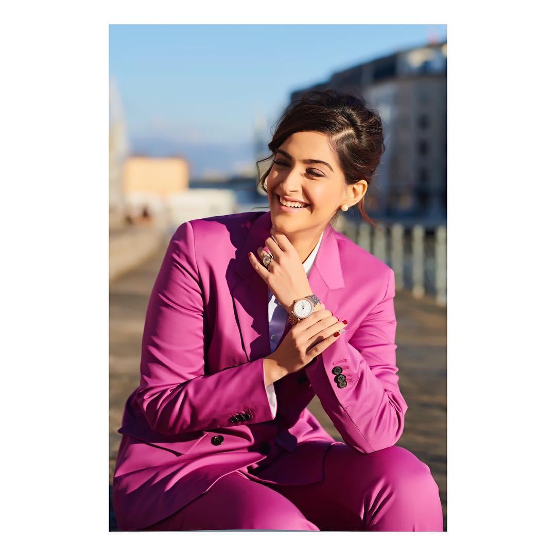 సోనమ్ కపూర్ హాట్ ఫోటోస్ Photo: Instagram/sonamkapoor