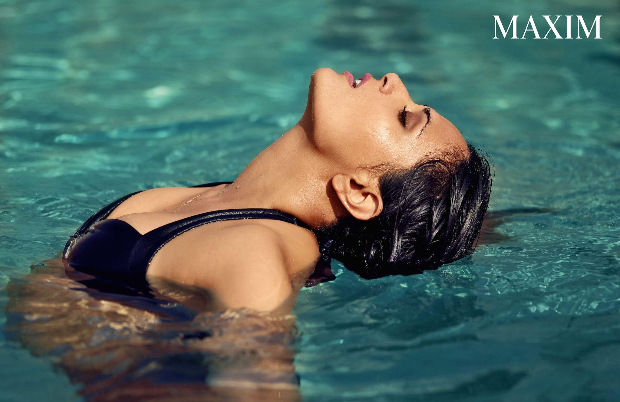 హాట్ బ్యూటీరిచా చడ్డ మ్యాగ్జిమ్ ఫోటోషూట్, Photo: Maxim Magazine