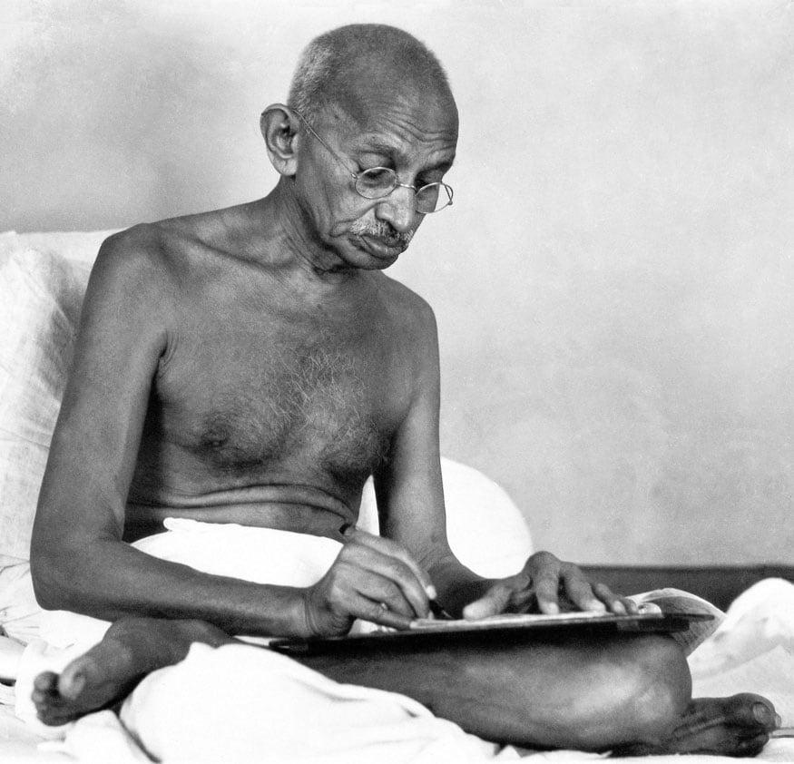 15. బిర్లా హౌజ్లో మహాత్మాగాంధీ. (Image: Getty Images)
