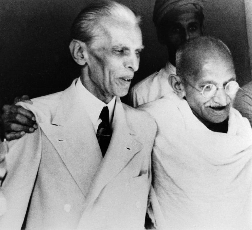 49. మహ్మద్ అలీ జిన్నాతో మహాత్మాగాంధీ. (Image: Getty Images)