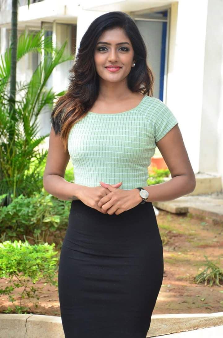 అందాల ఈషా రెబ్బా హాట్ ఫోటోస్ Photo: Twitter