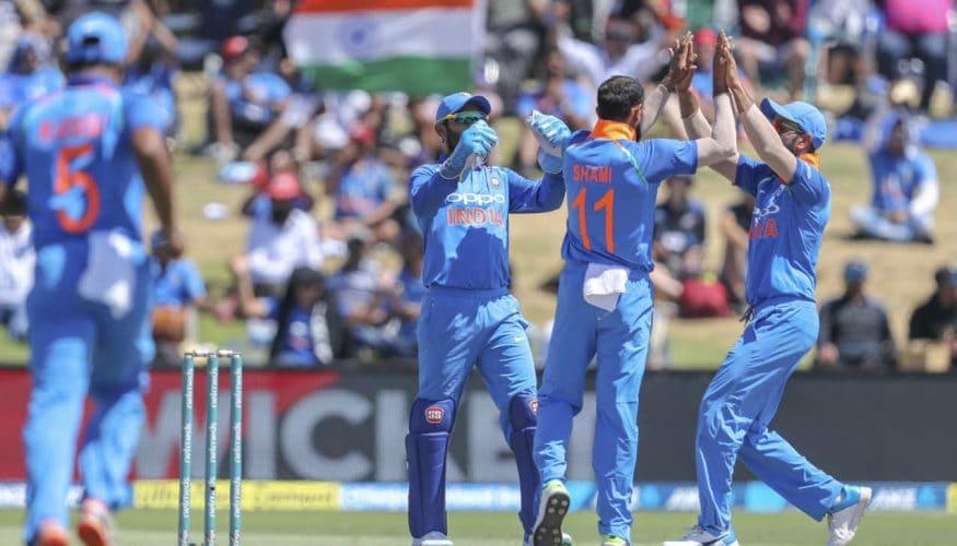 భారత జట్టు 43 ఓవర్లలో కేవలం మూడు వికెట్లు మాత్రమే నష్టపోయి విజయలక్ష్యాన్ని ఛేదించింది.