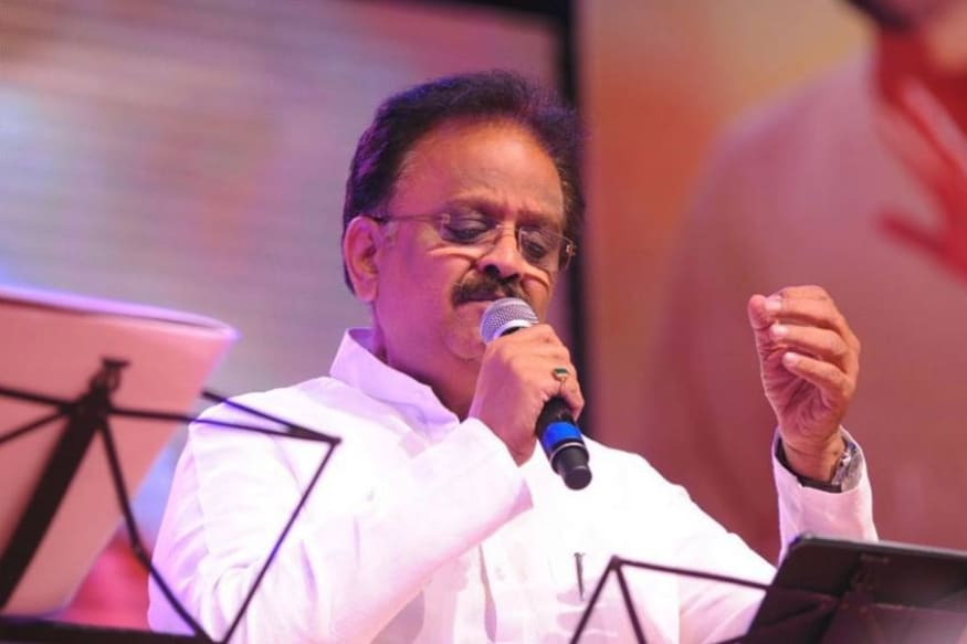 SP Bala Subrahmanyam donated his ancestral home in Thipparaju Vari street Nellore to Kanchi Veda Patashaala,S. P. Balasubrahmanyam,sp Balasubrahmanyam own house donated to kanchi kamakoti peetham,sp balu Vijayendra Saraswati,tollywood,telugu cinema,tollywood,telugu cinema,ఎస్పీ బాల సుబ్రహ్మణ్యం,ఎస్పీ బాలు,వేద పాఠశాల,ఎస్పీ బాలు వేద పాఠశాల,కంచి కామకోటి పీఠం,విజయేంద్ర సరస్వతి