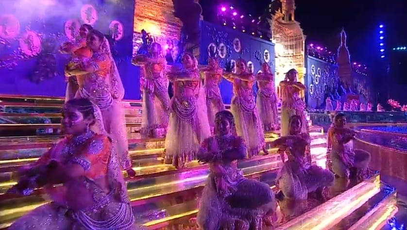 మ్యూజికల్ ఫౌంటెన్ షోలో సాంస్కృతిక ప్రదర్శనలు
