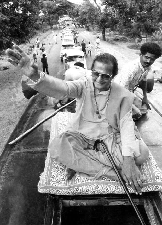 How Cinema Actors Turn into politics Like NTR,Chiranjeevi,Balakirshna,Pawan kalyan,IPL,IPL 2019,jabardasth comedy show,nagababu,Andhra Pradesh News,Telangana News,Andhra pradesh Politics,Telangana Politics,NTR,chiranjeevi amitabh bachchan shatrugan sinha politics,Rajini kanth kamal haasan khushbu nagma politics,Senior NTR Telangana Politics,NTR Andhra Pradesh politics,Chiranjeevi Telangana Politics,Pawan kalyan Telangana politics,Chiranjeevi Andhra pradesh Politics,Pawan Kalyan Andhra pradesh Politics,iNTR Chiranjeevi Pawan Kalyan Telangana Andhra pradesh Politics,TDP,Janasena,Prajarajyam,ఎన్టీఆర్,సీనియర్ ఎన్టీఆర్ ఎన్టీఆర్ తెలంగాణ పాలిటిక్స్,చిరంజీవి తెలంగాణ పాలిటిక్స్,చిరంజీవి ఆంధ్రప్రదేశ్ పాలిటిక్స్,ఎన్టీఆర్ ఆంధ్ర ప్రదేశ్ పాలిటిక్స్,పవన్ కళ్యాణ్ తెలంగాణ పాలిటిక్స్,బాలకృష్ణ టీడీపీ తెలుగు దేశం,ఎన్టీఆర్,పవన్ కళ్యాణ్ ఆంధ్రప్రదేశ్ పాలిటిక్స్,జబర్ధస్త్ రోజా,విజయశాంతి,బాబు మోహన్,కోట శ్రీనివాస రావు పాలిటిక్స్,అమితాబ్ బచ్చన్ పాలిటిక్స్,శతృఘ్న సిన్హా స్మృతి ఇరానీ మూన్ మూన్ సేన్ పాలిటిక్స్, దేవానంద్,కమల్ హాసన్ రజినీకాంత్ ఎమ్జీఆర్ శివాజీ గణేషణ్ కార్తీక్,సునీల్ దత్,ఎన్టీఆర్ చిరంజీవి పవన్ కళ్యాణ్ తెలంగాణ ఆంధ్రప్రదేశ్ పాలిటిక్స్,టాలీవుడ్ న్యూస్,తెలుగు సినిమా, tollywood News,Telugu cinema