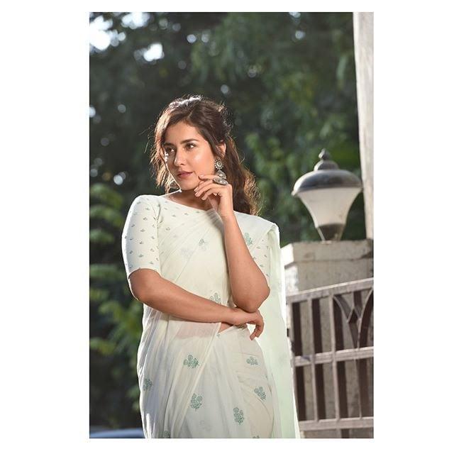 రాశీ ఖన్నా లేటెస్ట్ ఫోటోస్ Photo: Instagram/raashikhannaoffl
