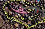 Video: పర్యావరణ హితం కోసం లండన్లో భారీ నిరసన