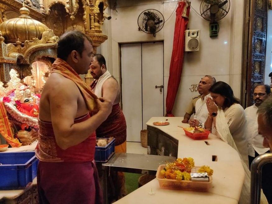 ప్రస్తుతం ముంబై నార్త్ సెంట్రల్ పూనమ్ మహాజన్ వర్సెస్ ప్రియాదత్గా సాగుతోంది. ఇద్దరూ ప్రముఖ నేతల కూతుర్లు కావడంతో ఇద్దరికీ పోటా పోటీగా ఉంది.