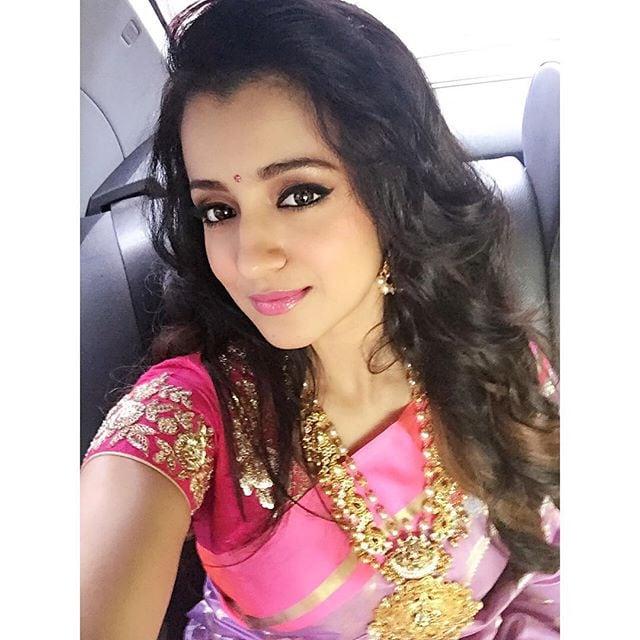 అందాల త్రిష ఫోటోస్ Photo: Instagram.com/dudette583/
